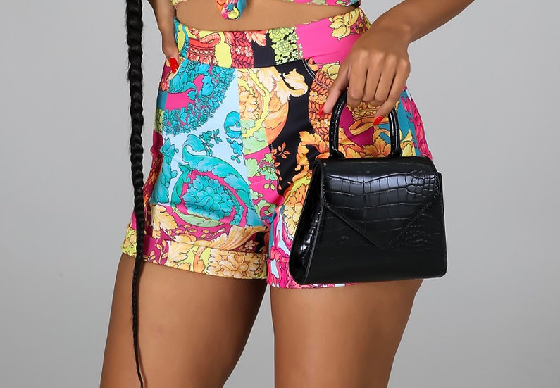 Graphic Print Elastic Casual Shorts