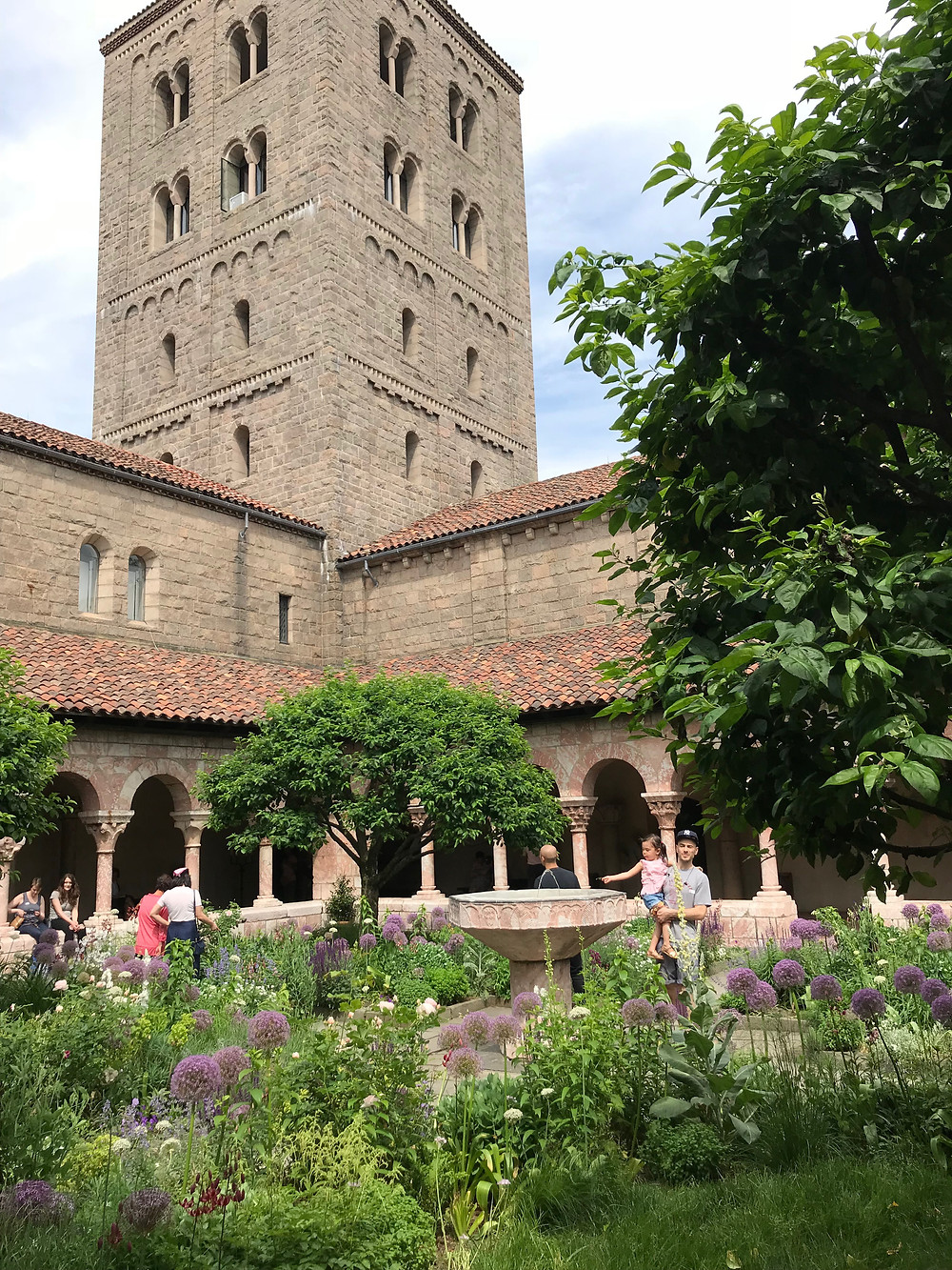 The Met Cloisters, Fort Tryon, Curious G and Me, nyc with kids, cultured kids