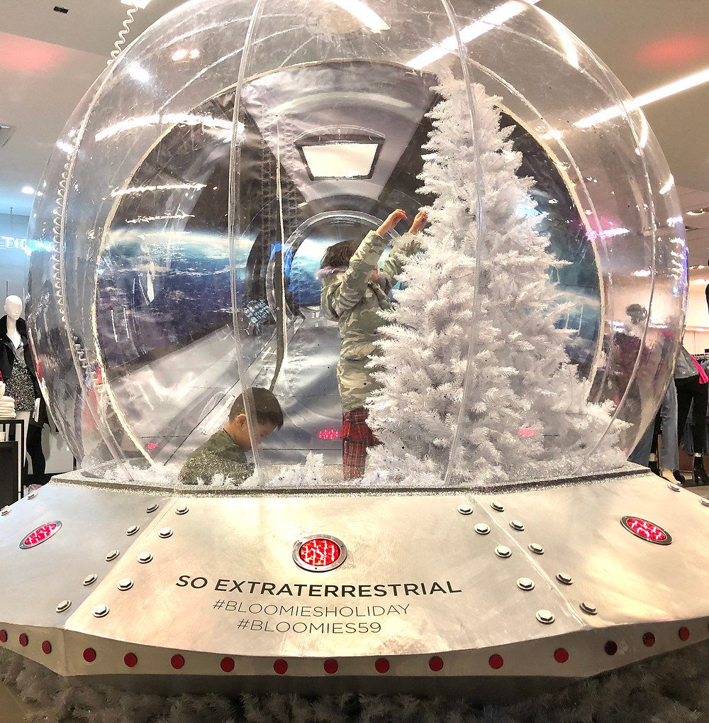 giant snow globe, Bloomingdales, Christmas decorations, Curious G and Me, Holiday fun with kids, holidays in NYC