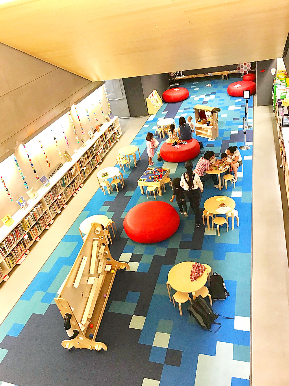 NYPL, 53rd Street Library, Children's room at the library, Curious G's book club, Curious G and Me, NYC winter indoor fun guide, NYC with kids Fall 2018