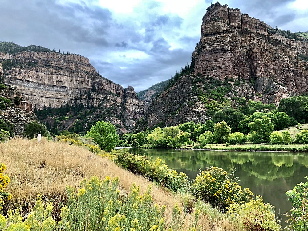Hanging Lake Trail, Curious G and Me, Colorado hiking with kids, family hikes