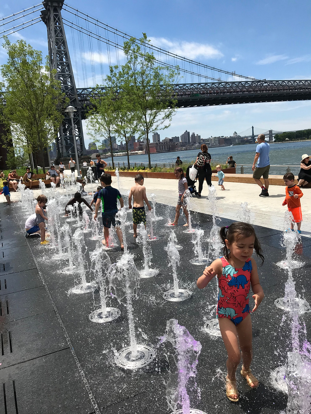 things to do in Williamsburg with kids, things to do in nyc with kids, domino park, nyc kids, tacocina, nyc sprinklers, nyc playgrounds