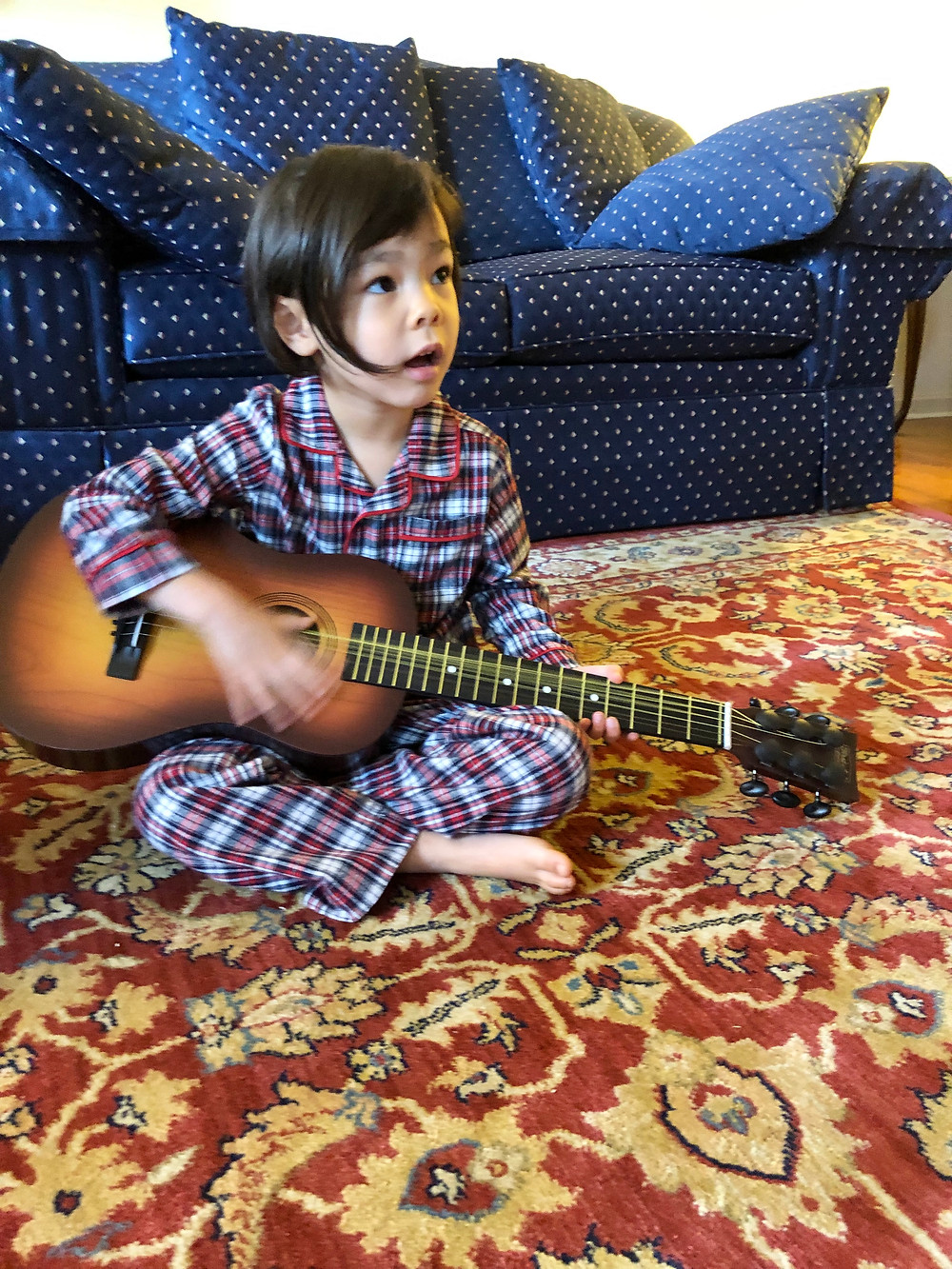 best guitar for kids, best guitar for toddlers, best toddler birthday gifts, best gifts for musical kids