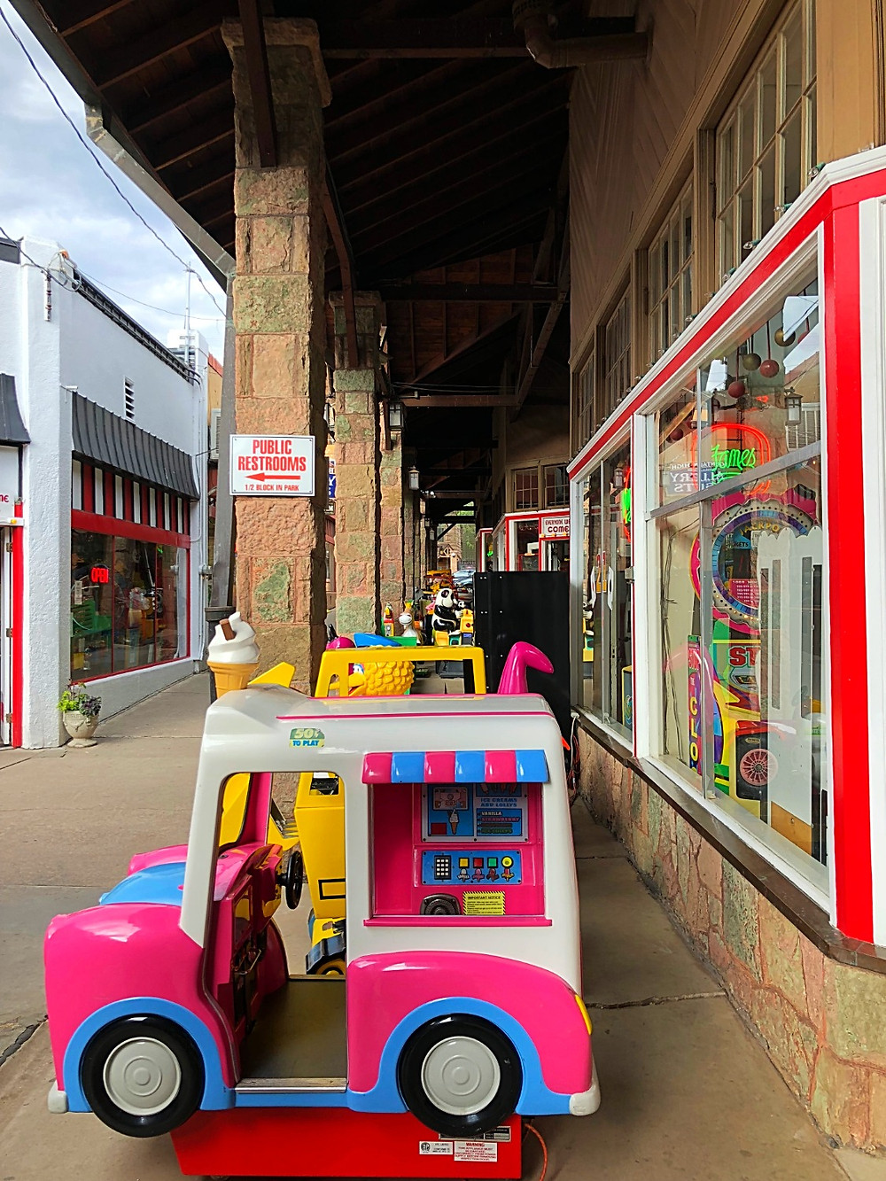 Curious G and Me, Arcade Amusements, penny arcade, Manitou Springs, Manitou Springs with kids, downtown Manitou Springs, Colorado Springs family travel