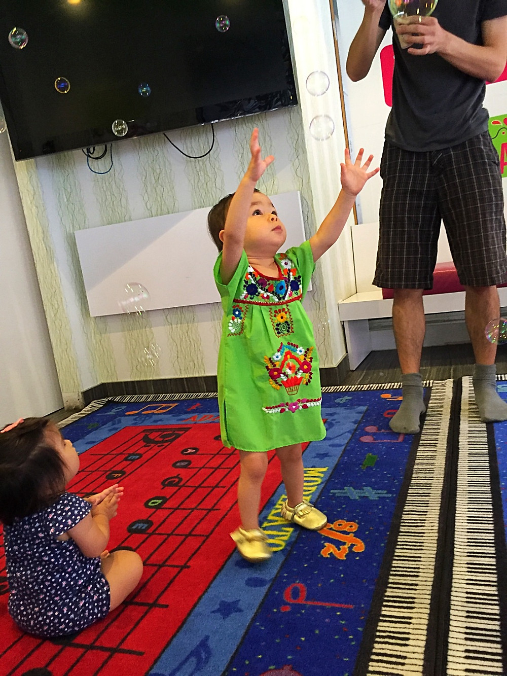 Moosiki Kids, best baby music classes in NYC, Curious G and Me, Winter indoor fun guide for kids