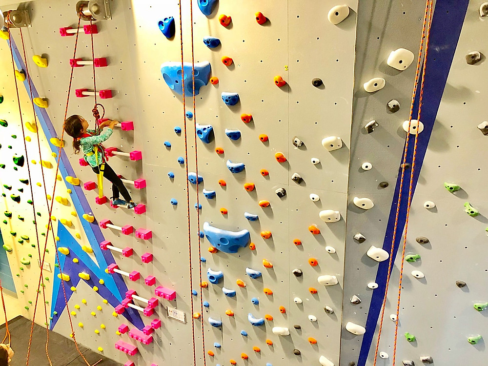 Indoor activity guide for NYC kids, Central Rock Gym, Indoor fun, Curious G and Me, indoor rock climbing for kids, indoor rock climbing in NYC