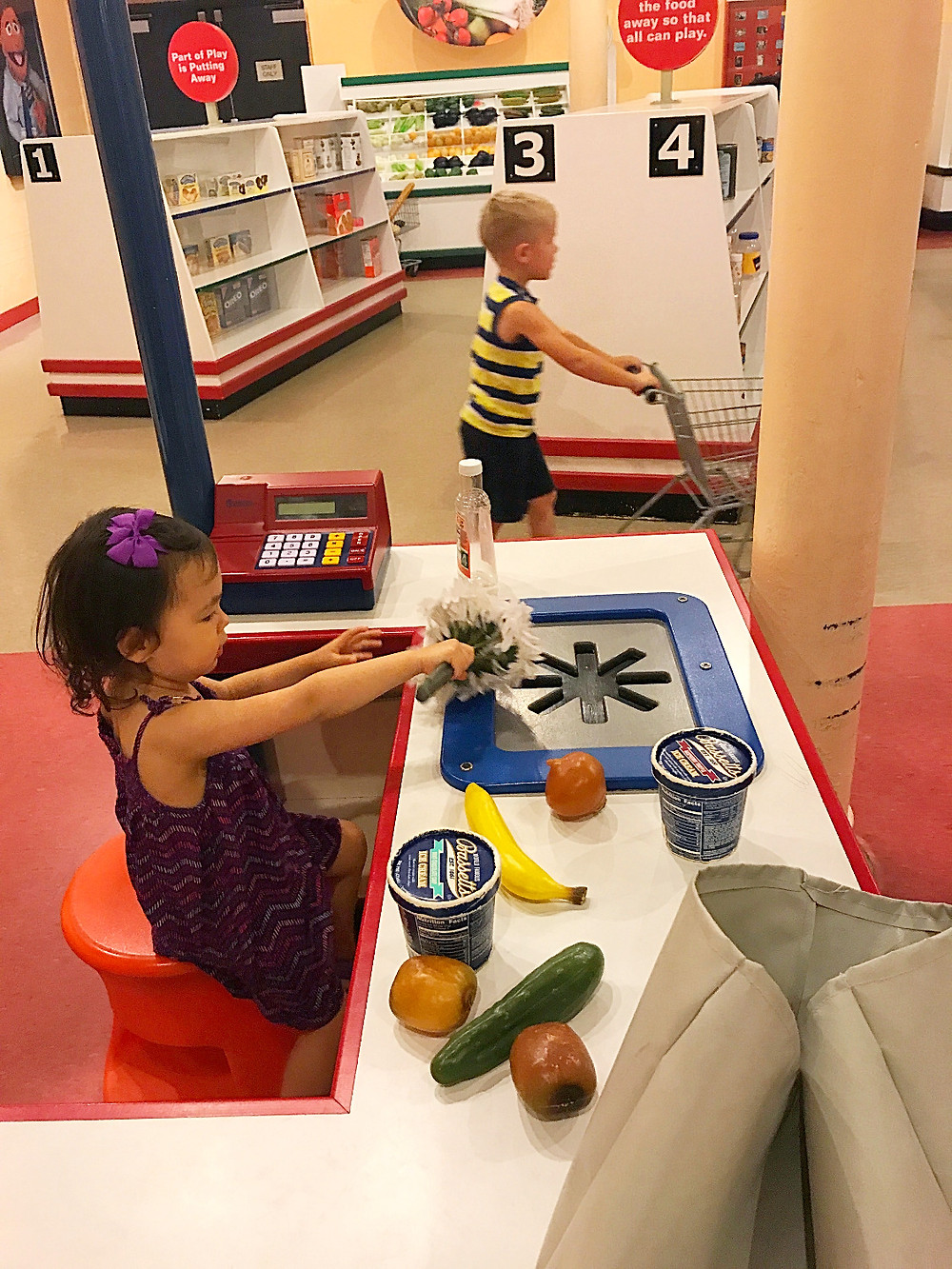 Please Touch Museum, best children's museums, carousel, Curious G and Me, young explorers, imagination, kite making
