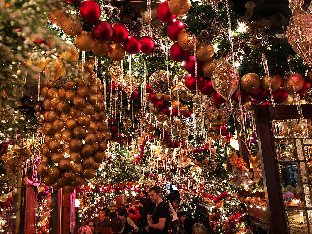 Holiday Bucket List, Fun things to do in NYC for the holidays with your kids, Instagram Bait, Holiday Pop Up, NYC Pop Up, Free in NYC, Curious G and Me, NYC family, NYC with kids, NYC Christmas, NYC icon, Rolf's German Restaurant, Christmas AF, Christmas overload, Christmas explosion
