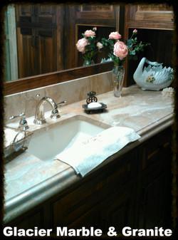 Breccia Onichata Quartzite bath