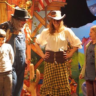 funny farm show 7