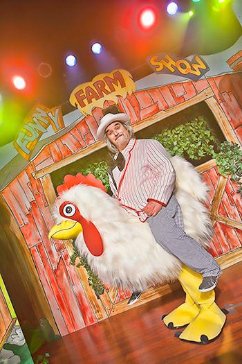 funny farm show 5