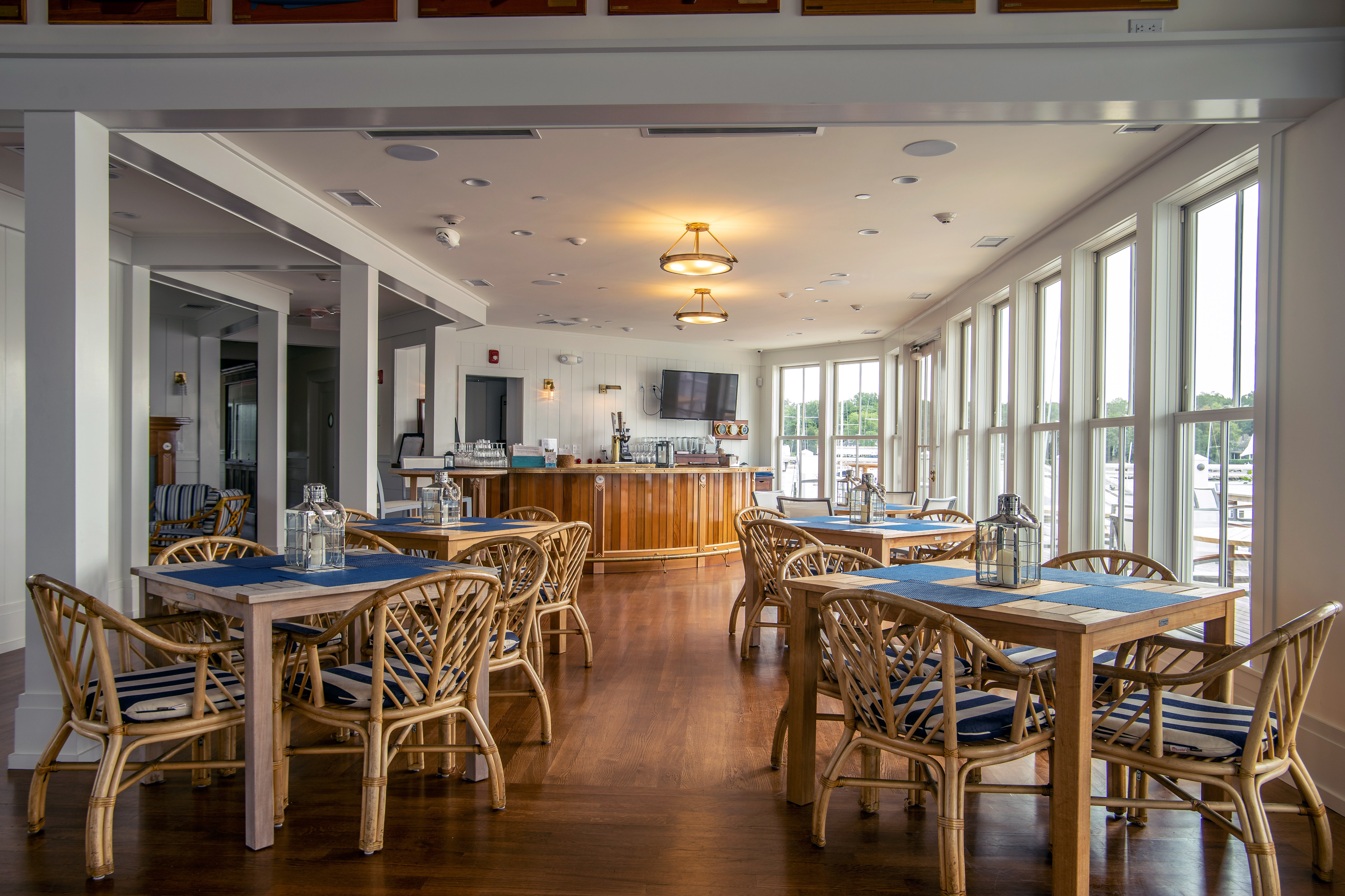 Noroton Yacht Club club bar
