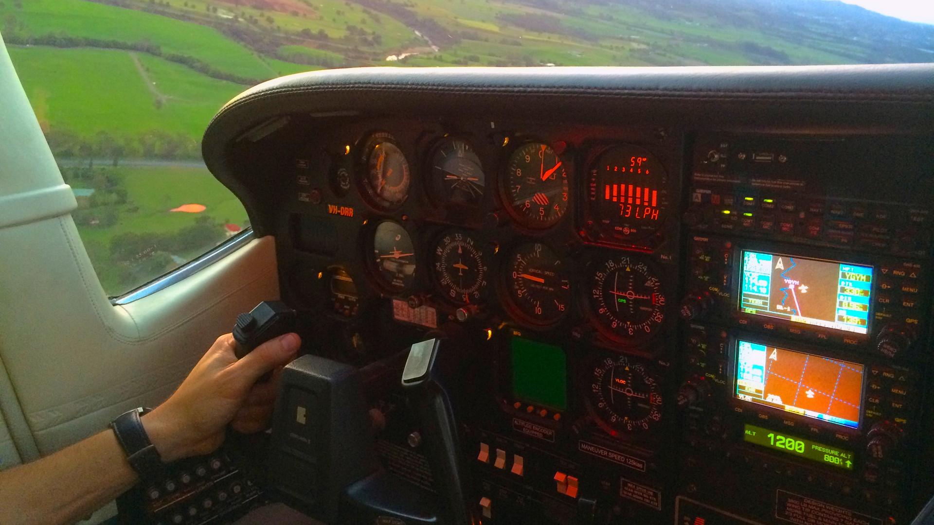 RFC C210 Cockpit.jpg