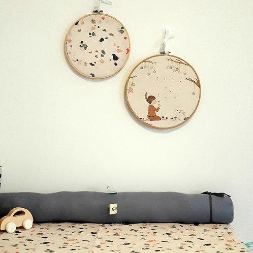 זוג חישוקים לעיצוב הקיר - ילד//ה אינדיאניים וחישוק טרצו