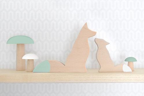 זוג שועלים מעץ לעיצוב