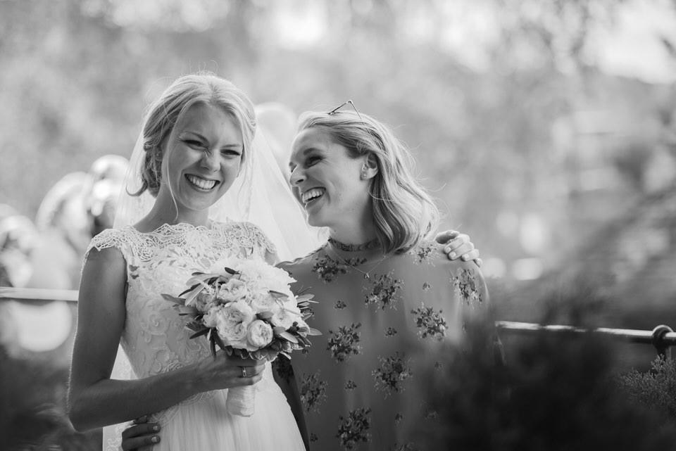 Fotografie-Hochzeit-Girls-Braut-Trautzeu