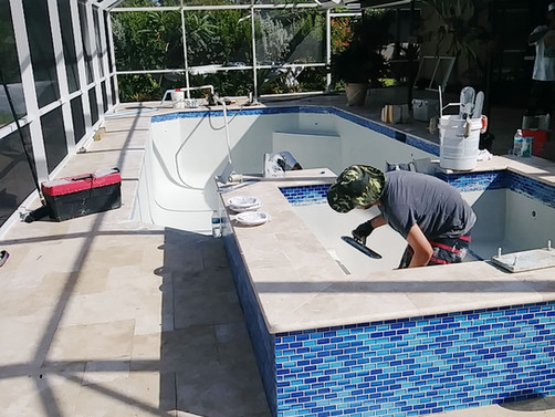 Why is Travertine Used for a Pool Deck?