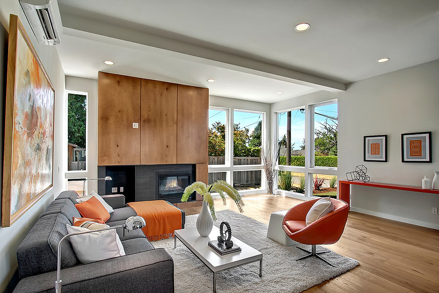 Beautiful woo wrapped modern fireplace in living room