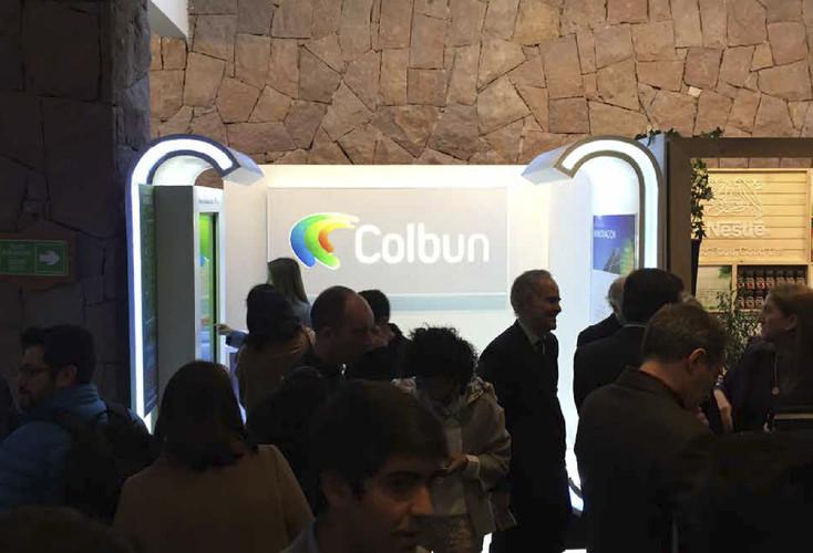 Diseño, construcción e implemtación stand Colbun