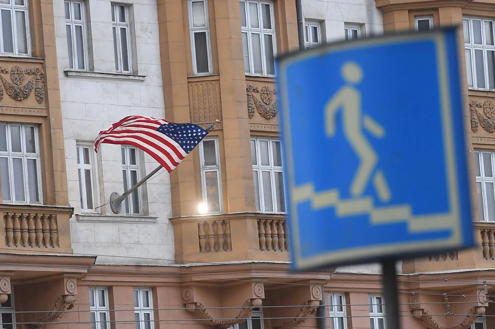 Срок рассмотрения заявок на визы в США
