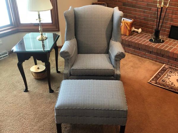 dura-bilt-upholstery-chair2.jpg