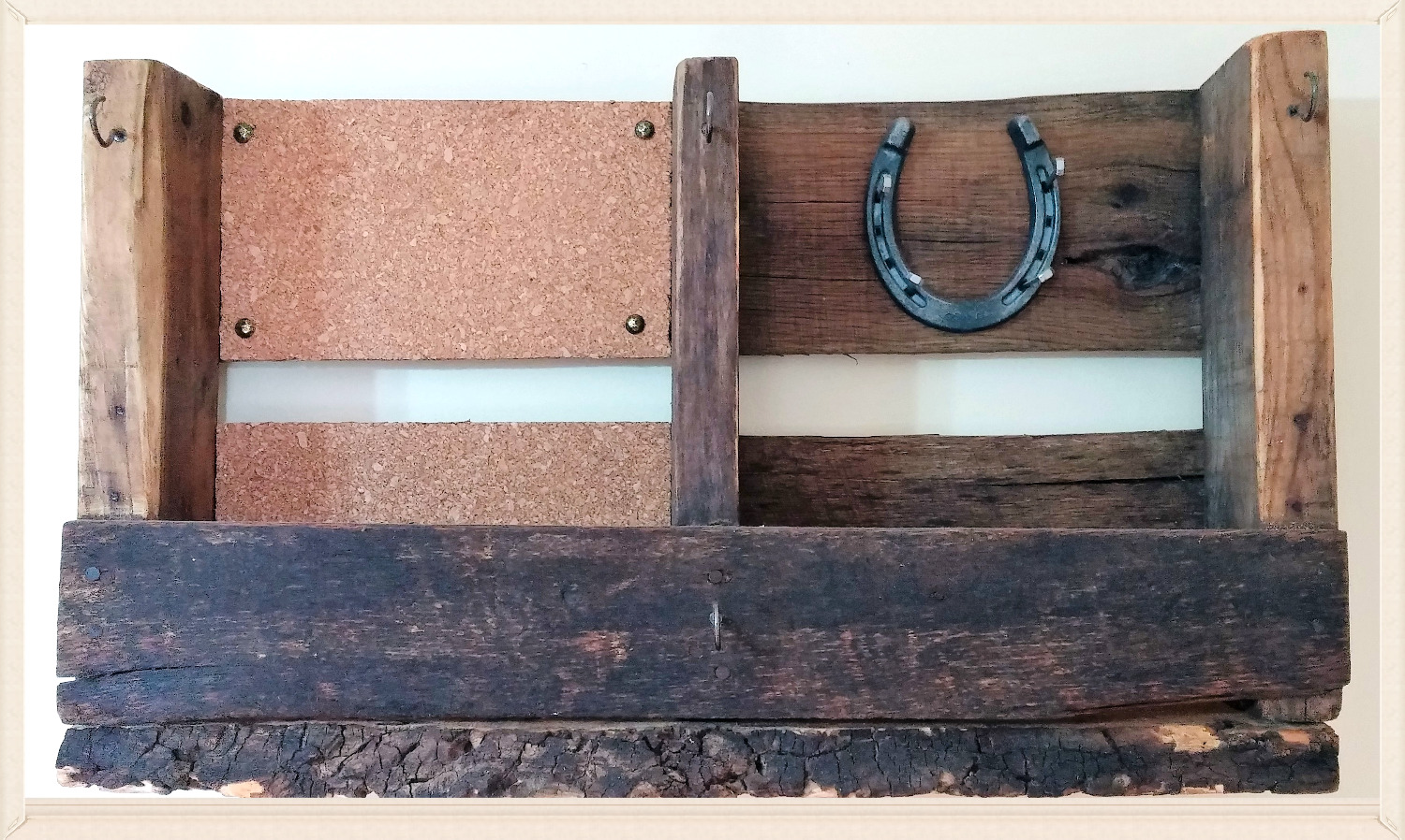 Pallet Shelf with one horseshoe and rais