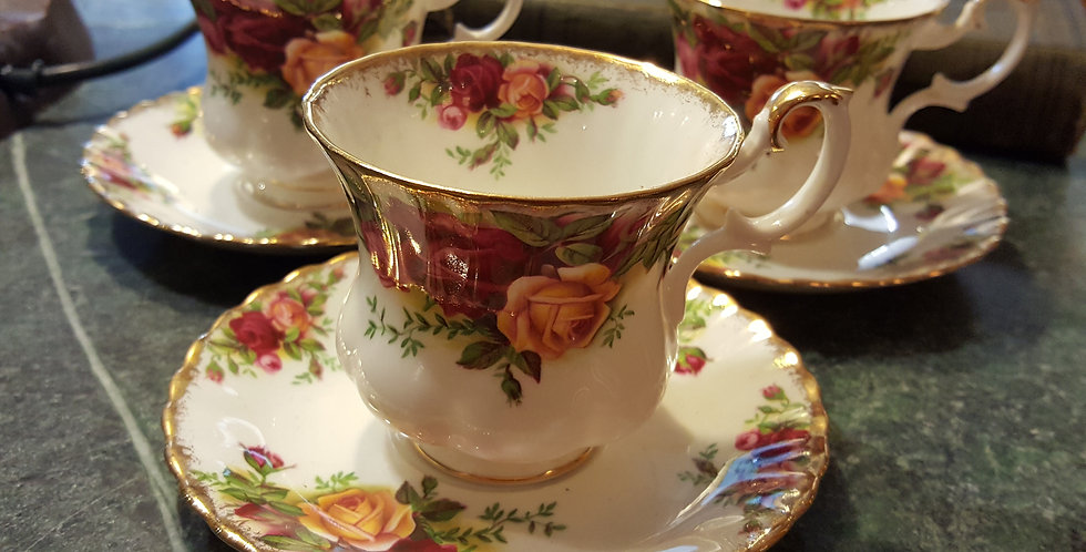 "Royal Albert ""Old Country Roses"" Teaset"