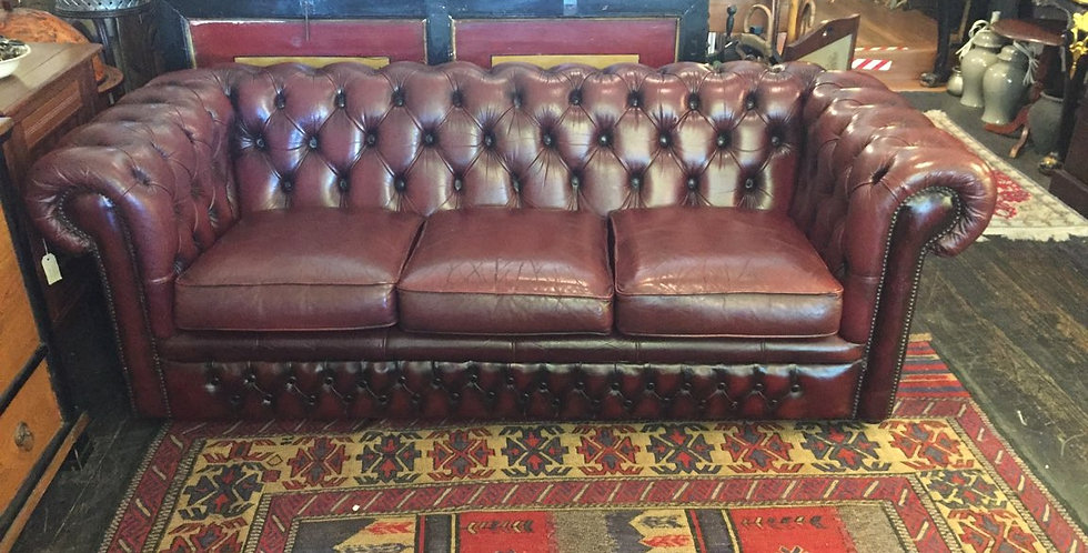 Vintage Leather Chesterfield Lounge