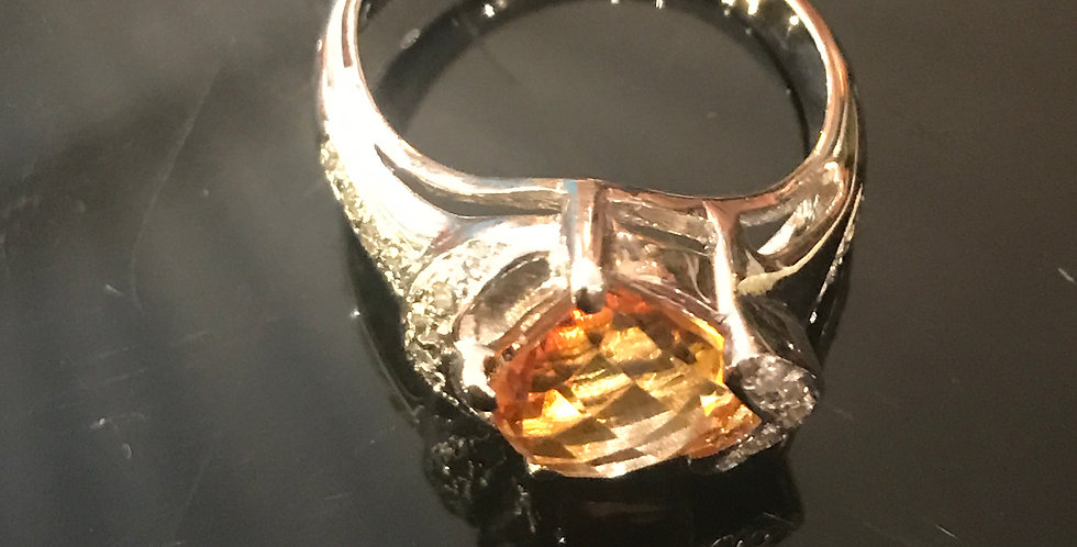 18ct citrine and diamond ring.