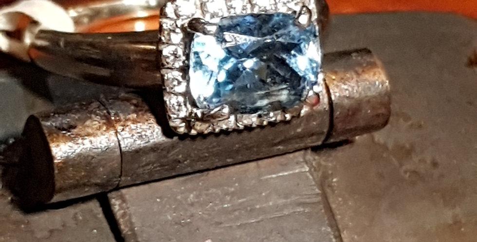 Aquamarine and Diamonds Ring