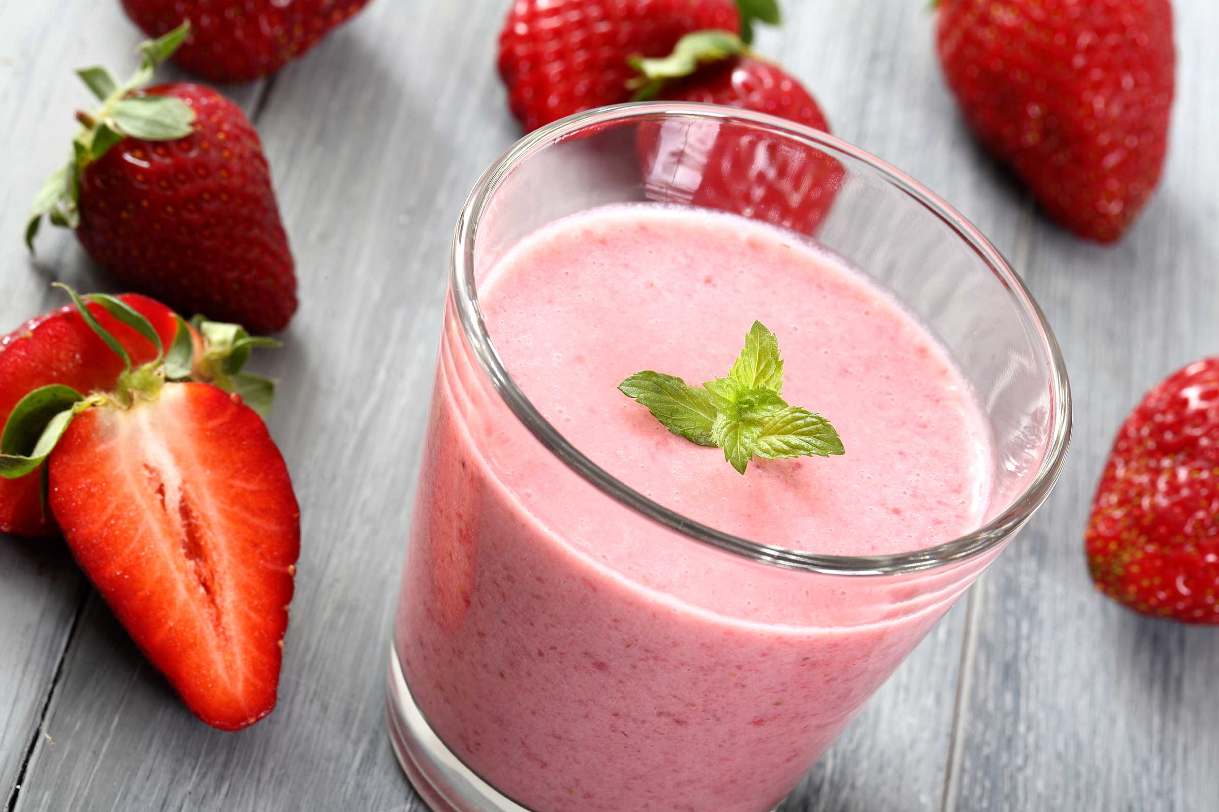 01-fruit-smoothies-strawberry.jpg