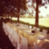 tavolo all'aperto