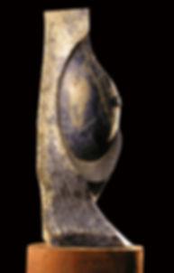 Título Galatea  Material  Piedra sodalita  Dimensiones  45 x18 cm  Peso  7,81 kg Precio 1300,00 €