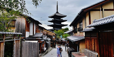 Free day and night tours of Kyoto