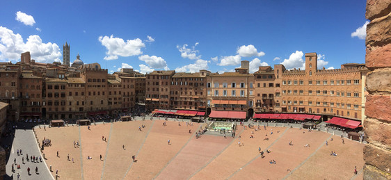 Siena courtyard.jpg