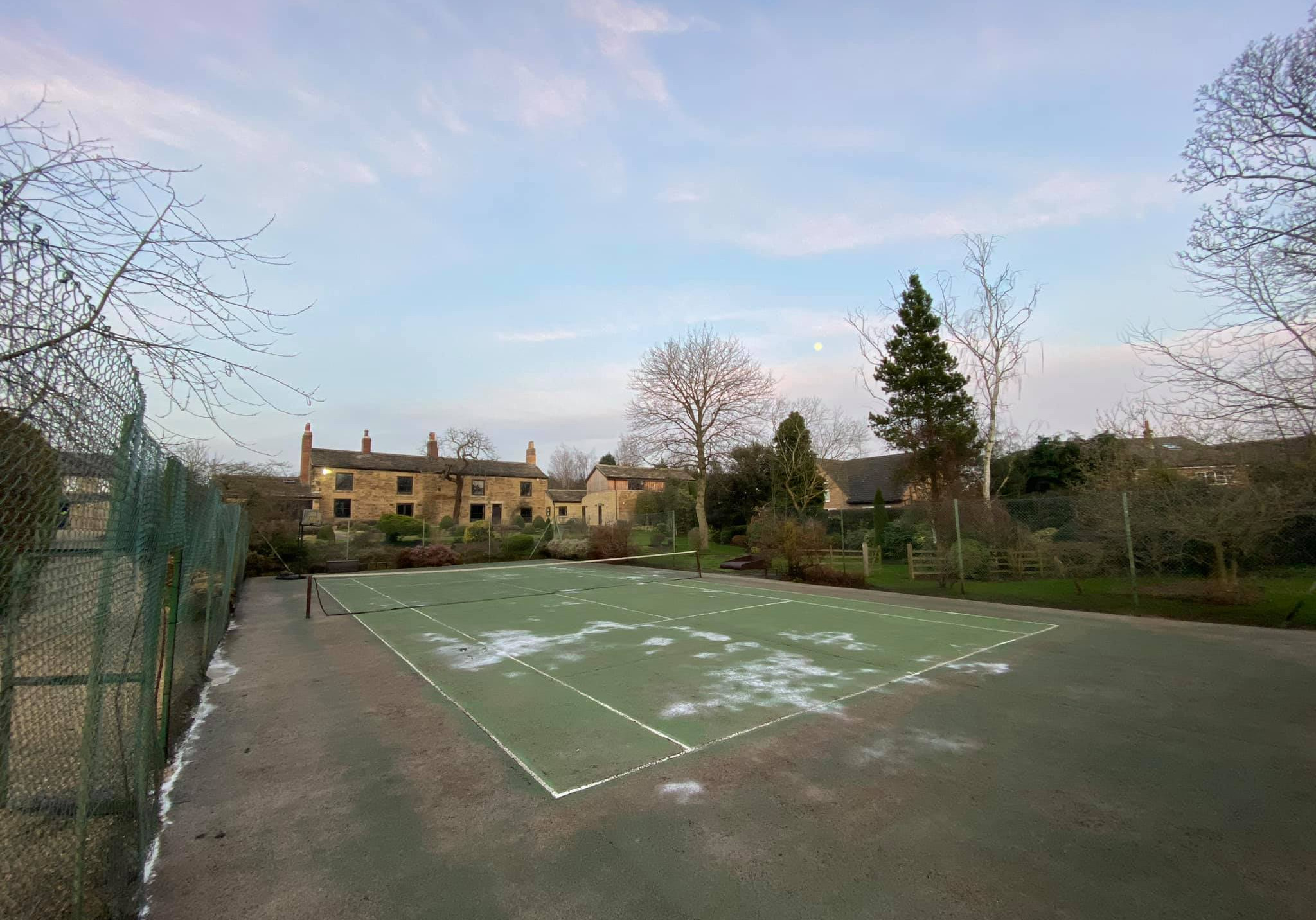 Tennis Court Cleaning in Leeds