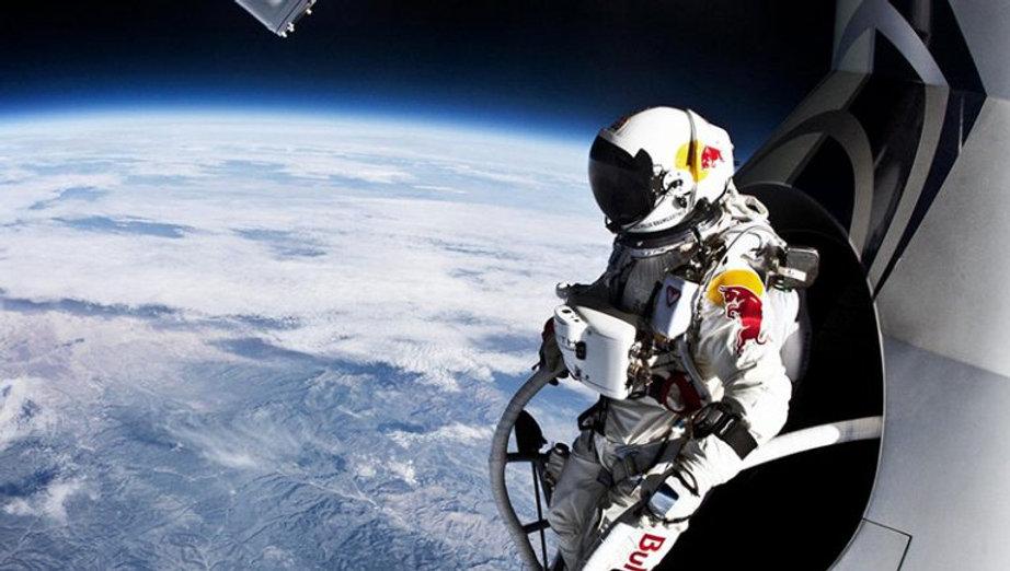 Redbull - felix-baumgartner-capsule-jump
