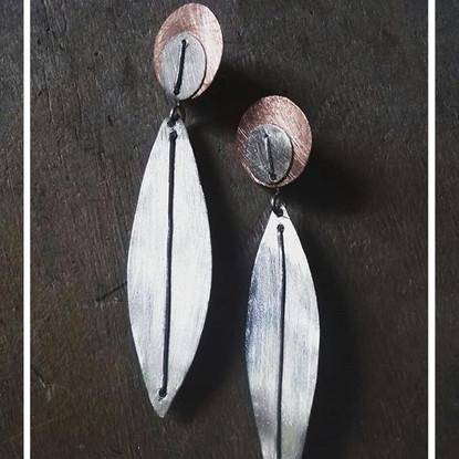 Aros modelo hojas, Cobre y Plata 950.  Colección Hojas