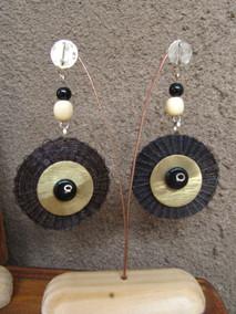 Aros de Crin de Caballo, aplicación de Bronce y piedras de Onix y Marfil.