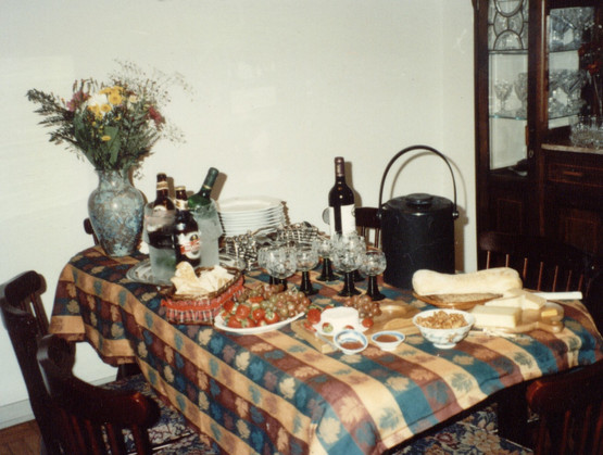 untitl17.jpg Mesa queijo e Vinho 1.jpg
