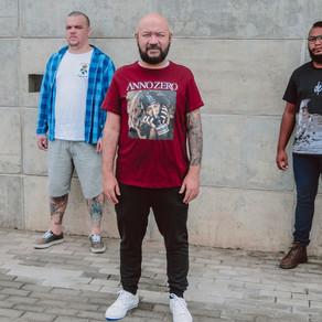 """Autoclismo lanza """"Tetra"""", EP deja un rastro de adrenalina en el oyente"""