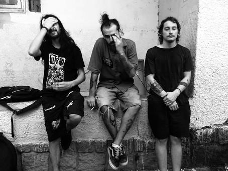 Sangue de Bode lança single via Electric Funeral Records