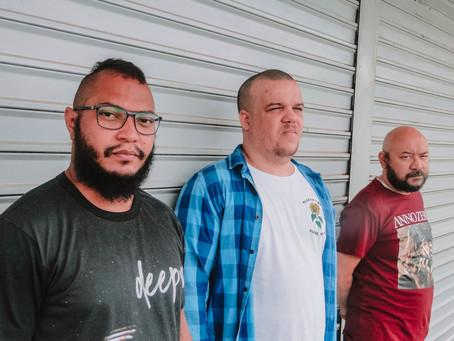 """Autoclismo lança """"Tetra"""", EP deixa um rastro de adrenalina no ouvinte"""