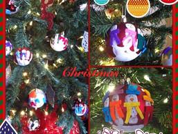 Kerstbal met sneeuwpoppen