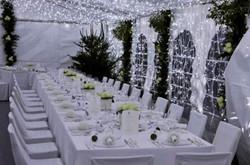Interieur chapiteau table d'honneur