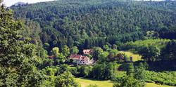 Château-Honcourt_vue_de_la_montagne