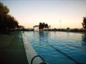 piscina medina.jpg