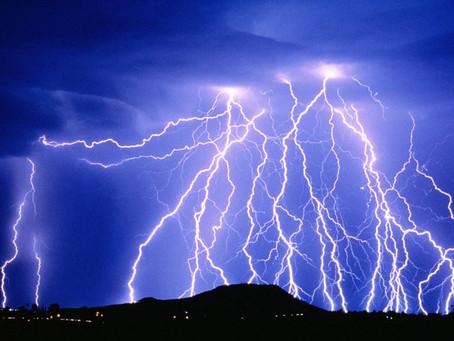 Com a chegada do Verão aumenta a incidência de tempestades e raios