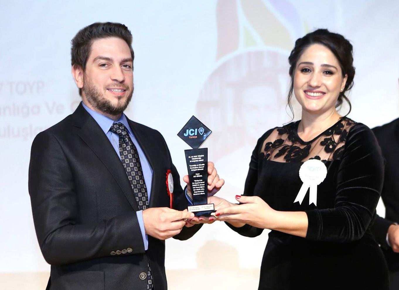 Alp Köksal - Türkiye'nin 10 Başarılı