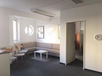 Lernzentrum Eingang_edited.jpg